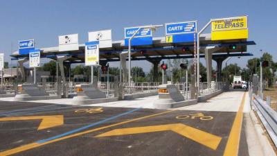Pedaggi autostrade: le auto che inquinano di più pagheranno di più