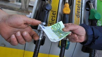 Accise carburanti: con la manovra economica è fumata bianca