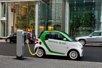 Auto elettriche: gli incentivi arriveranno presto