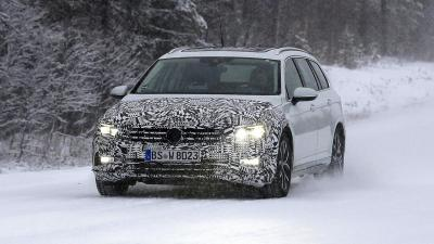 Volkswagen Passat Sedan e Station: nel 2019 arriva il restyling