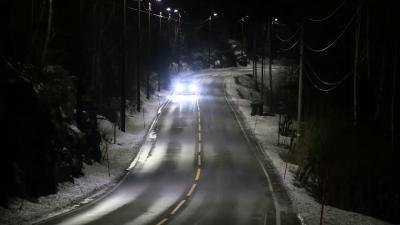 Norvegia: i lampioni si accendono al passaggio dell'auto