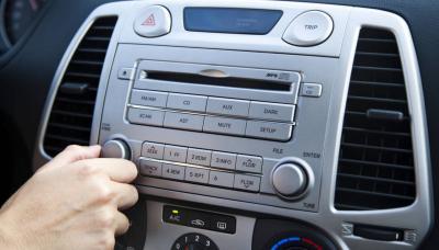 Musica a tutto volume in auto? E' reato!
