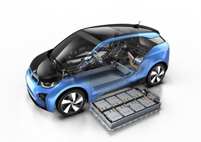 Auto elettriche: l'importanza del riciclo delle batterie esauste