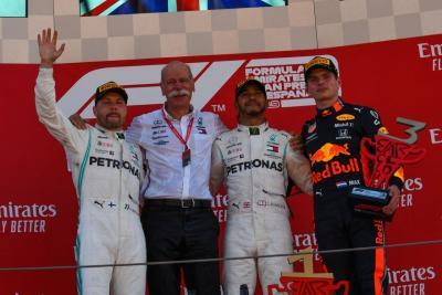 F1, la Mercedes incanta e Hamilton trionfa a Barcellona
