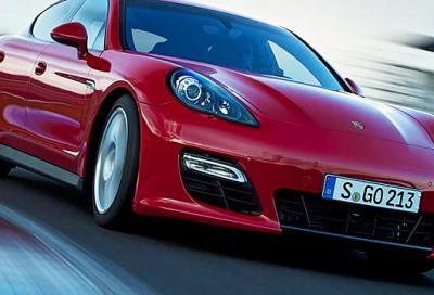 Porsche Panamera GTS 2011