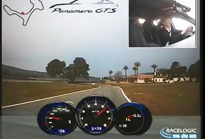 Walter Röhrl in pista con la Porsche Panamera GTS
