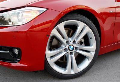 BMW Serie 3, al volante della 320d