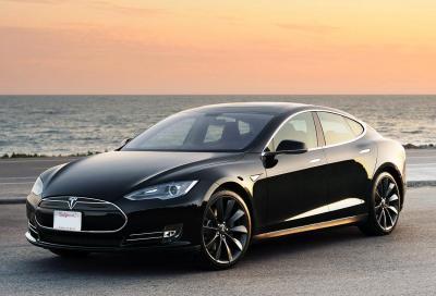 Più veloce il cambio della batteria o il pieno di benzina?