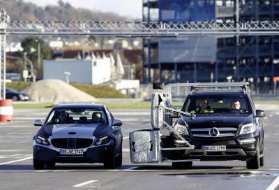 Mercedes, anche Schumacher prova la sicurezza della prossima Classe C