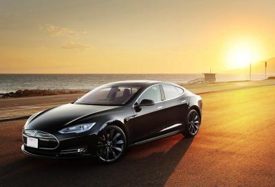 La Model S colpevole dell'incendio in un garage? Tesla dice no