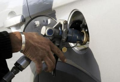 Prezzi benzina e diesel: nuovi aumenti per fine anno. Dite la vostra
