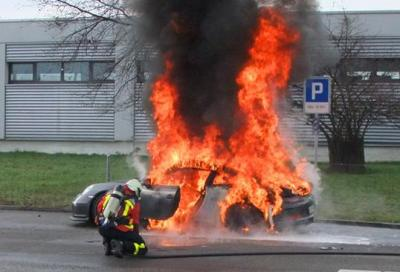 Porsche 911 GT3 a fuoco,la Casa sospende le consegne