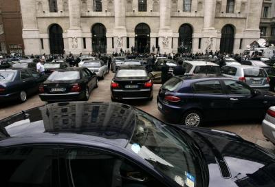 Dalla Lancia K alla Maserati Quattroporte: tutte le auto blu in vendita su Ebay