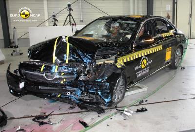 Mercedes, la nuova Classe C è molto sicura