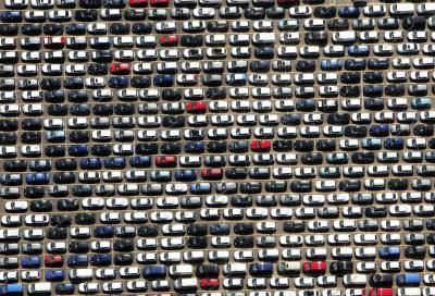 Ogni auto nuova se ne vendono due usate. Cresce il valore del metano