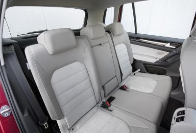 Volkswagen Golf Sportsvan 2.0 TDI, prime impressioni e prezzi