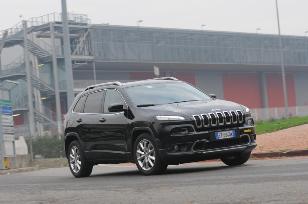 Schema Elettrico Jeep Cherokee : Nuova jeep cherokee mjet cv la nostra prova automobilismo