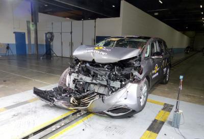 Nuova Renault Espace 2015, sicurezza a cinque stelle