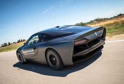 BMW, la prossima i8 a idrogeno
