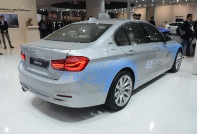 BMW 330e, la nuova variante ibrida plug-in