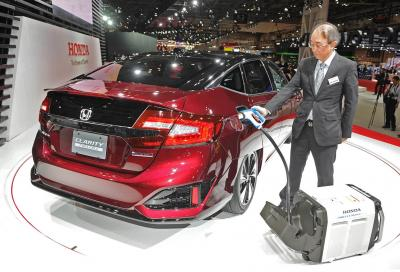 Honda Clarity Fuel Cell, su strada dal 2016