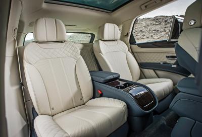 Bentley Bentayga, 7 video e 60 nuove foto