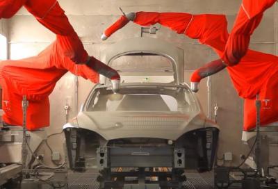 Tesla, così viene assemblata la Model S