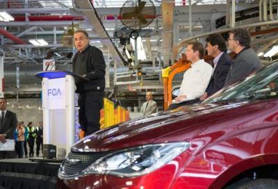 Così viene assemblata la nuova Chrysler Pacifica 2017