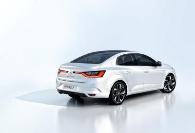 Nuova Megane, Renault svela anche la berlina