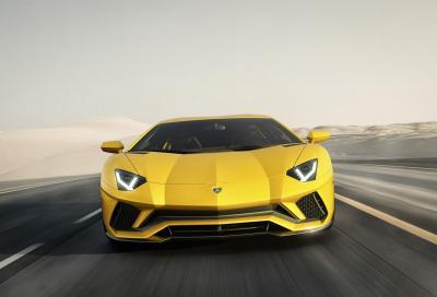 Lamborghini Aventador S, nuova con un po' di Centenario