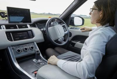 Range Rover Sport Autonomous Urban Drive: faccio da sola