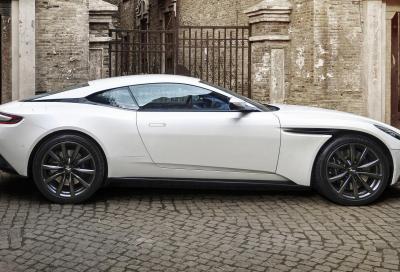 Aston Martin DB11 V8: stella a otto punte