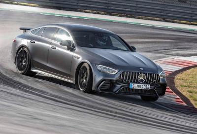 Mercedes-AMG GT Coupé 4: per i papà dal piede pesante