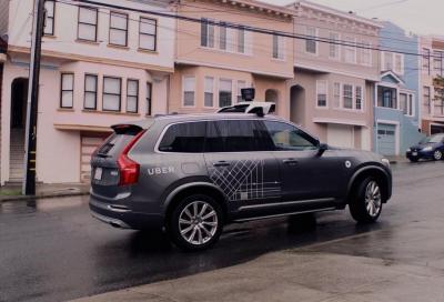 Guida autonoma: test senza autista ma con passeggeri