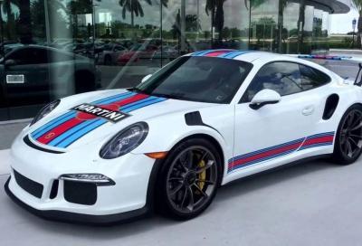 Porsche 911 Martini Racing: livrea amarcord