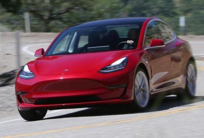 Tesla Model 3: in arrivo due varianti AWD
