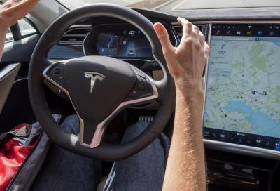 Tesla Autopilot: da agosto la nuova versione