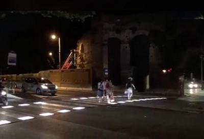 Roma: inaugurate le prime strisce pedonali a led