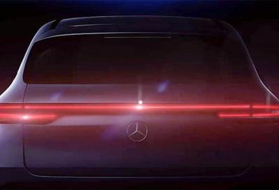 Mercedes EQ C: svelati i primi teaser
