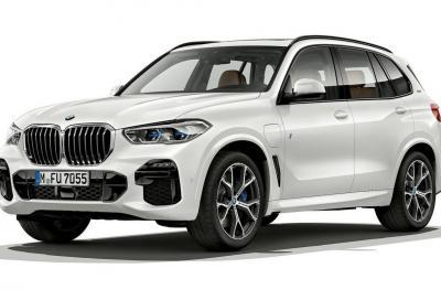 BMW X5 xDrive45e iPerformance: sportiva ma ecologica