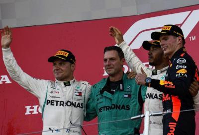 F1, Vettel sbaglia a Suzuka e Hamilton ringrazia