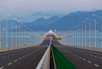 Cina: inaugurato il ponte sul mare più lungo del mondo