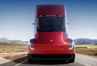 Tesla Semi: dovrebbe arrivare nel 2020
