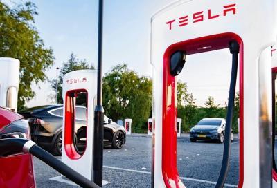 Tesla Supercharger: niente più ricarica gratis