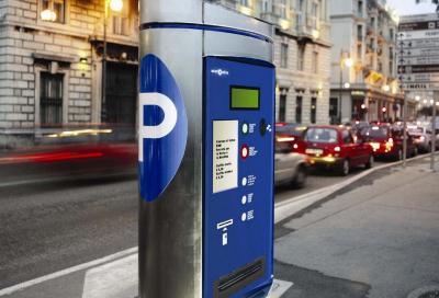 Parcheggio Milano? Lo paghi con un sms