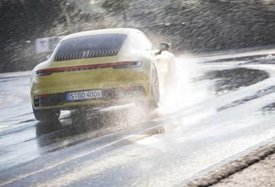 Porsche 911 (992): con la Wet Mode non teme la pioggia