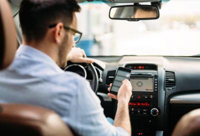 Distrazione al volante? Una pratica molto pericolosa