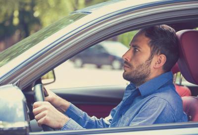 La paura di guidare va affrontata e non nascosta
