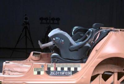 Il seggiolino auto Chicco Oasys-i-Size non supera i test di Altroconsumo e TCS