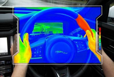 Sicurezza: in caso di pericolo il volante si scalda